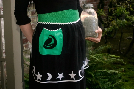 Spooky Owl Night Vintage-Inspired Halloween Tulle Hostess Apron