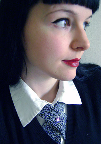 Lady Neck Tie Spiderwebs