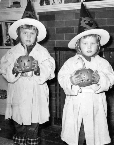 Little Twin Retro Witches