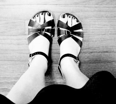 Black Saltwater Sandals